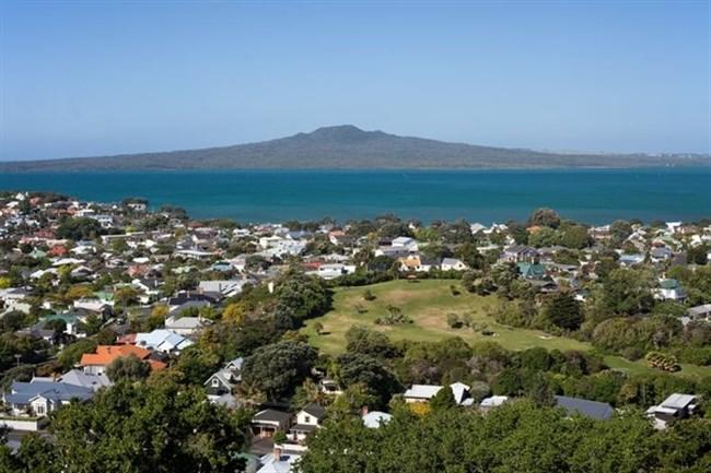 1-1rangitoto and town.jpg