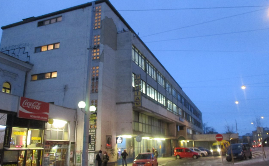 Brno_post_office_near_the_station.png