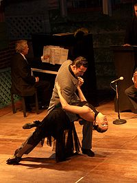 200px-Tango-Show-Buenos-Aires-01.jpg