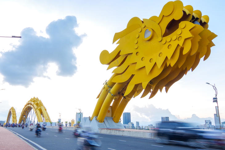 da nang  dragon bridge.jpg