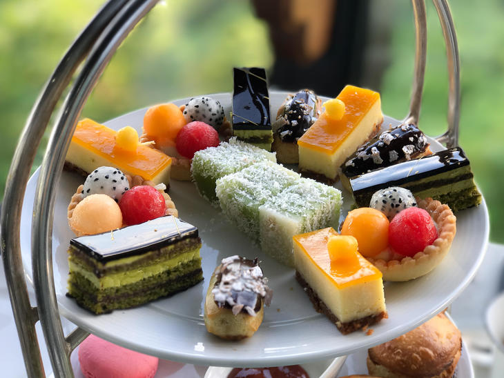 da nang afternoon tea  sweets1.jpg