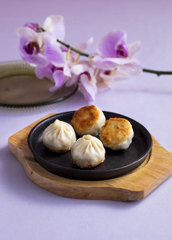脆煎灌湯小籠包Pan-fried Xiao Long Bao.jpg