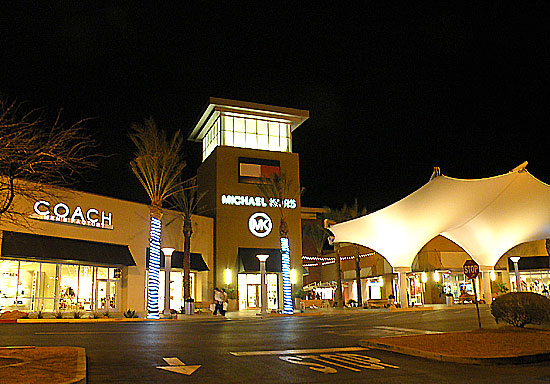 outlet_01_south.jpg