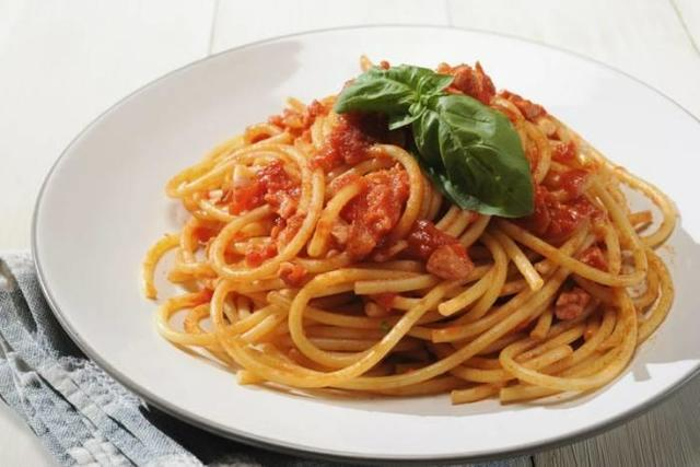 spaghetti all'amatriciana.jpg