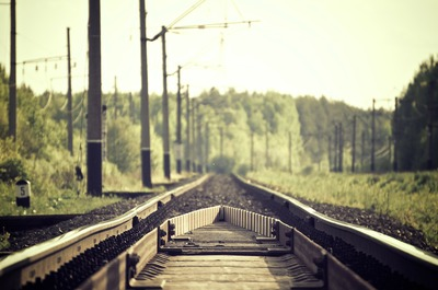 railroad-tracks-336532_1920.jpg