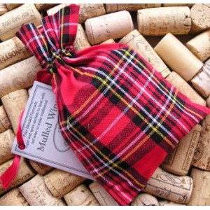 mulled-wine-mix-in-a-tartan-sack.jpg