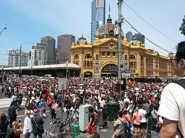 Australia Day crowd.jpg
