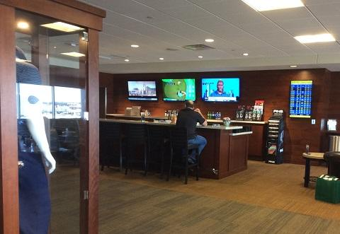 GOLG LOUNGE at MSP.JPG