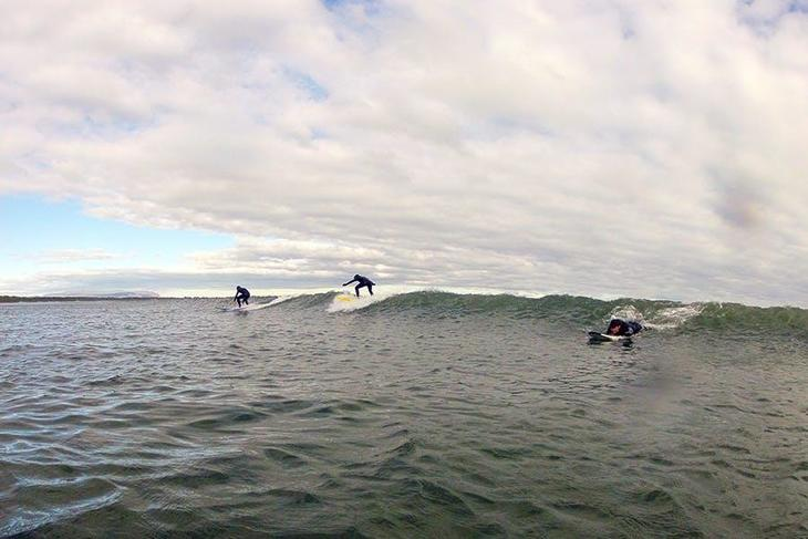 though-most-people-don-t-realise-the-icelandic-coastal-waters-are-perfect-for-learning-to-surf-for-the-first-time-5.jpg
