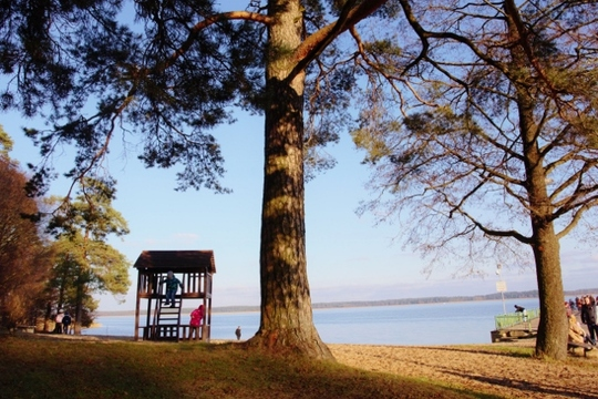 Sunday at a lake in Latvia (640x427).jpg