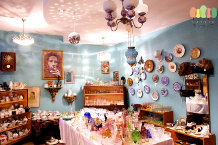 Antique shop Kitsch Room Riga Latvia(640x427).jpg