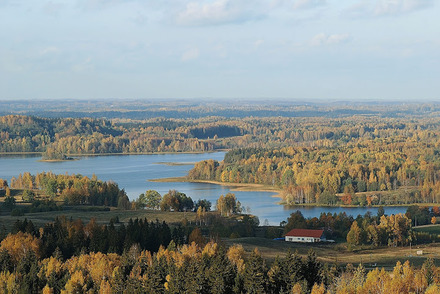 Beautiful_hills_of_Latvia.jpg
