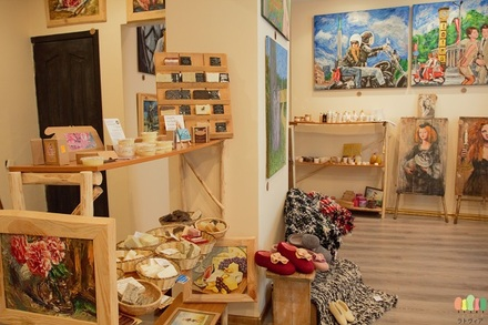 KAZA Arts and Crafts Shop at Old Riga Latvia (650.433).jpg