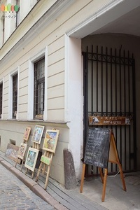 Outside of KAZA Arts and Crafts Shop at Old Riga Latvia (250).jpg