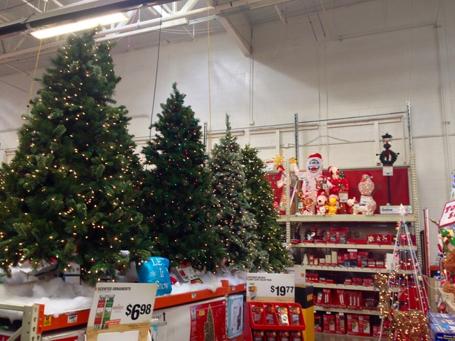 homedepot12xmastree-m - 1.jpg