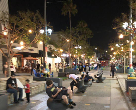 SantaMonicaPromenade_night.jpg