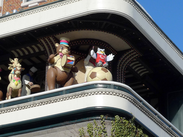 Mecanical Dolls in Mecanical Clock Tower
