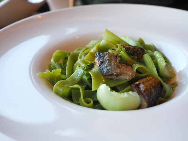 Spinach-tagliatelle with saury from Nemuro and bok-choy flavored with dried mullet roe
