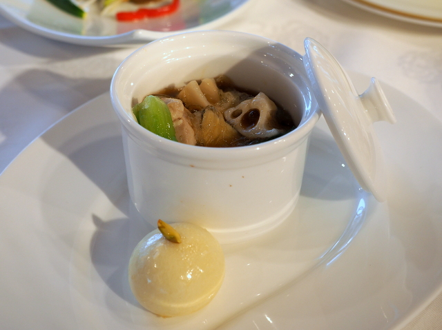 subgum pot of root vegetables and shark's fin