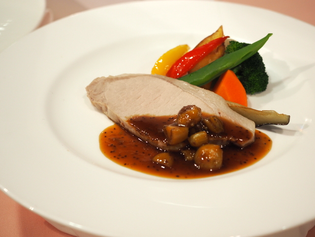 Los-temprature-roast pork from Shiretoko
