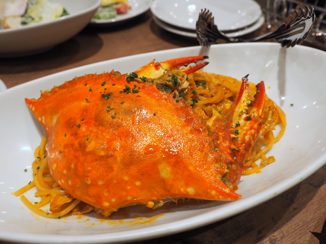 Pasta of blue crab with tomato sauce
