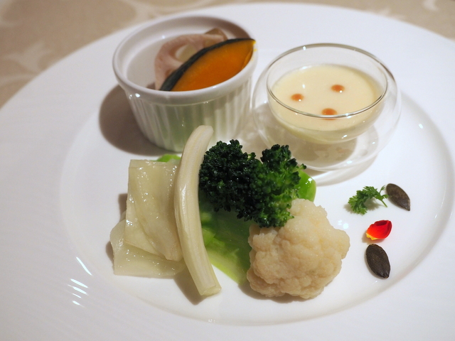 Bagna cauda (Italian style warm dip) in Chinese style with seasonal vegetables and summer squash oil