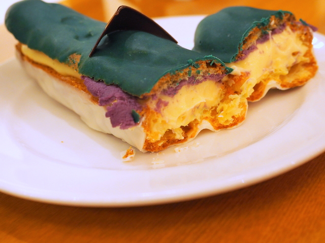 Hokkaido Shinkansen eclair made with custard cream, purple yam and white chocolate