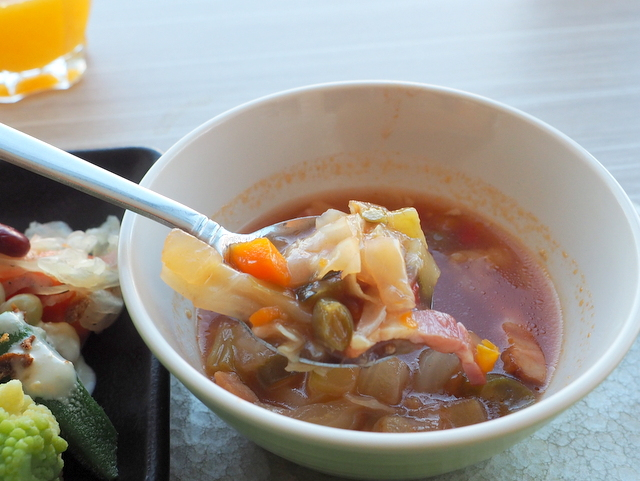Minestrone with plenty of vegetables