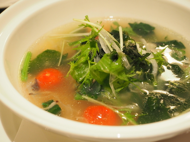 Soup with dried scallop ligament and vegetables
