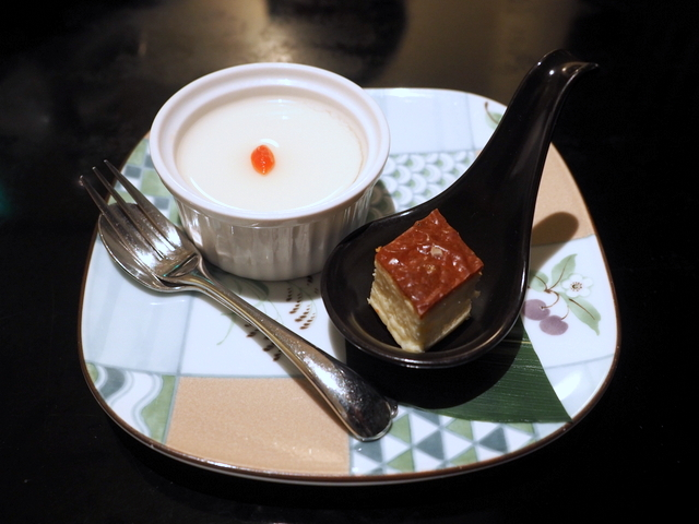 Almond jelly and cheese cake for dessert