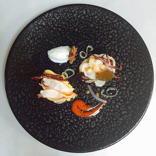 Octopus with Santorini's fava_2.JPG