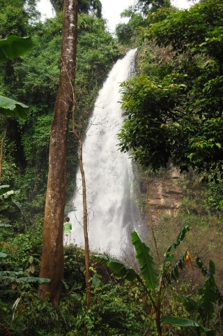 Yui Water Fall near Vang Vieng.jpg 2.jpg